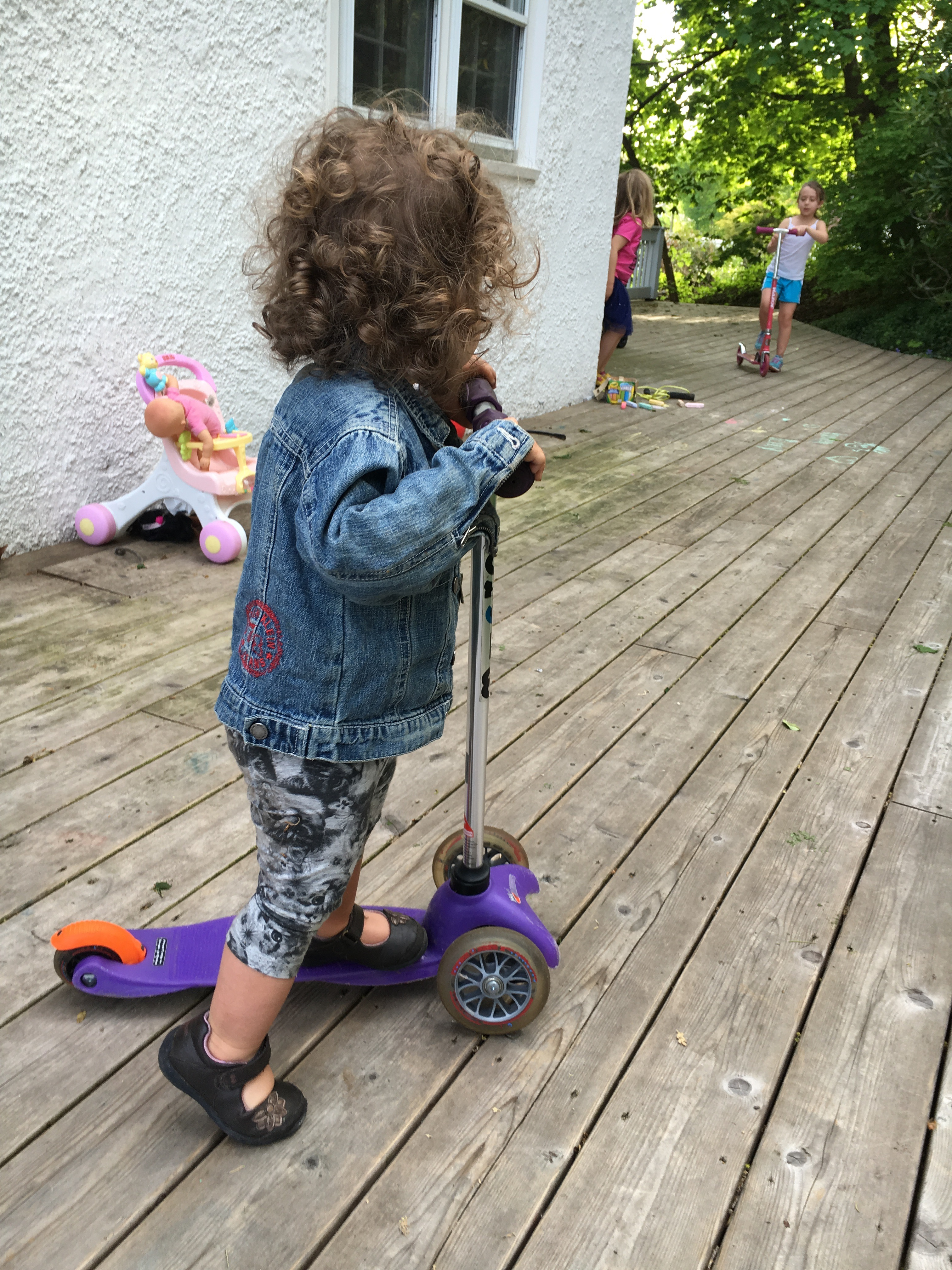 toddler scooting