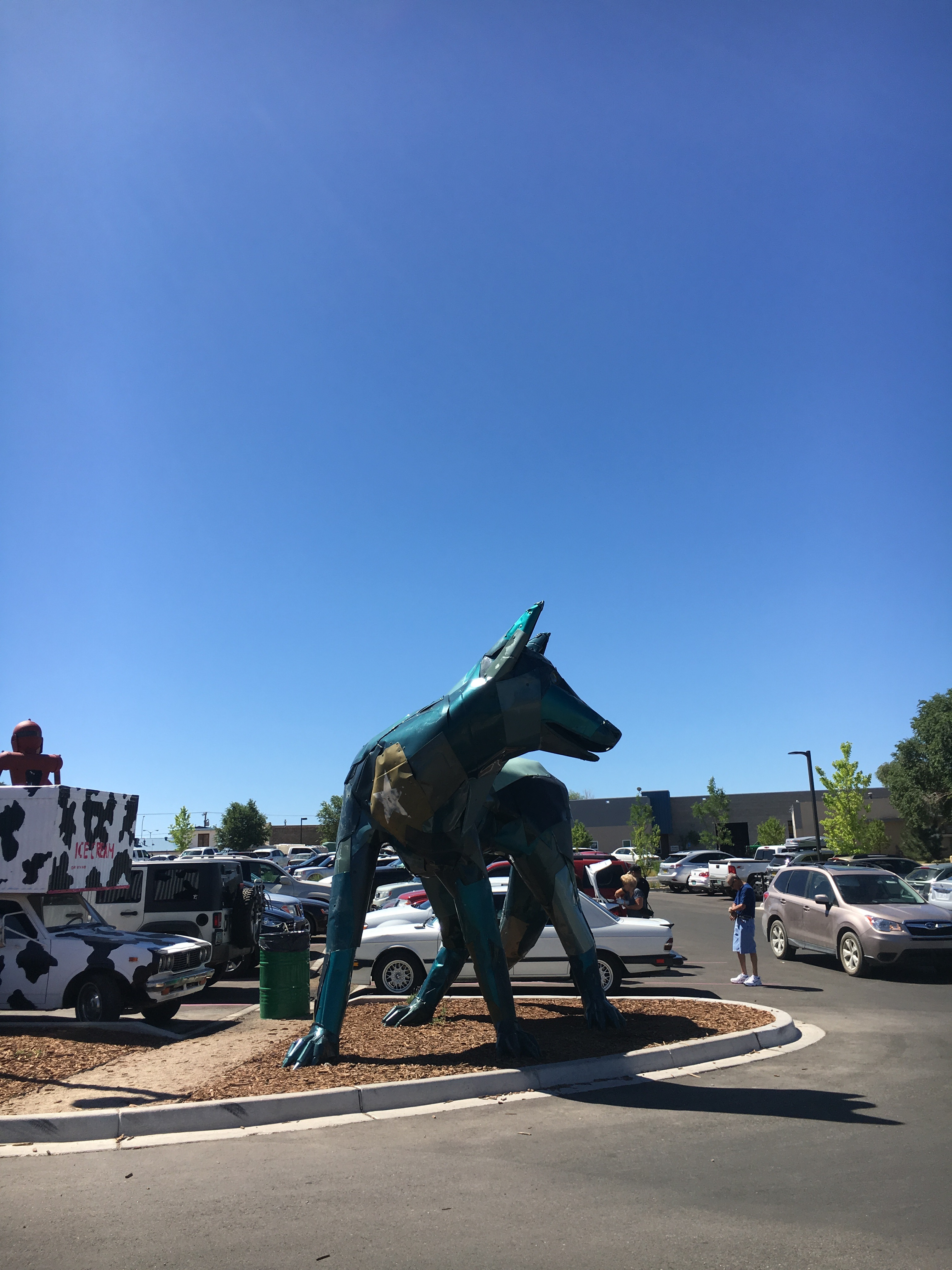 wolf outside at meow wolf