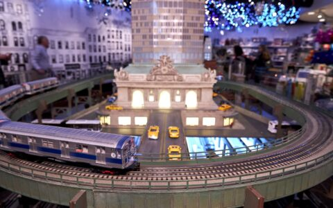 18th Annual Holiday Train Show is Back at Grand Central Terminal