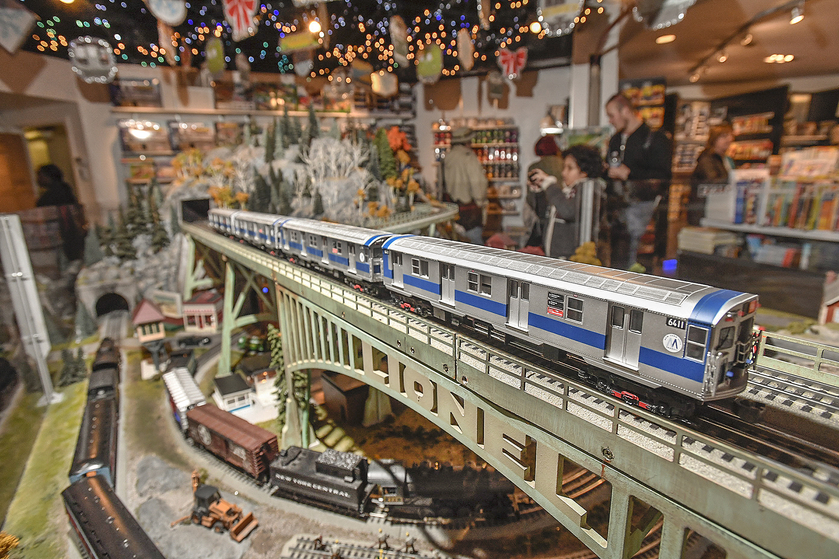 15th Annual Holiday Train Show On View at Grand Central Terminal