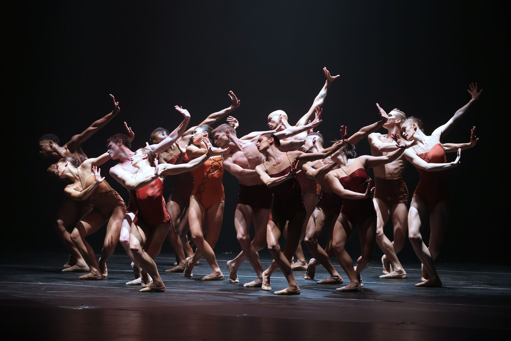 Complexions contemporary ballet at the joyce theater for Contemporary dance new york