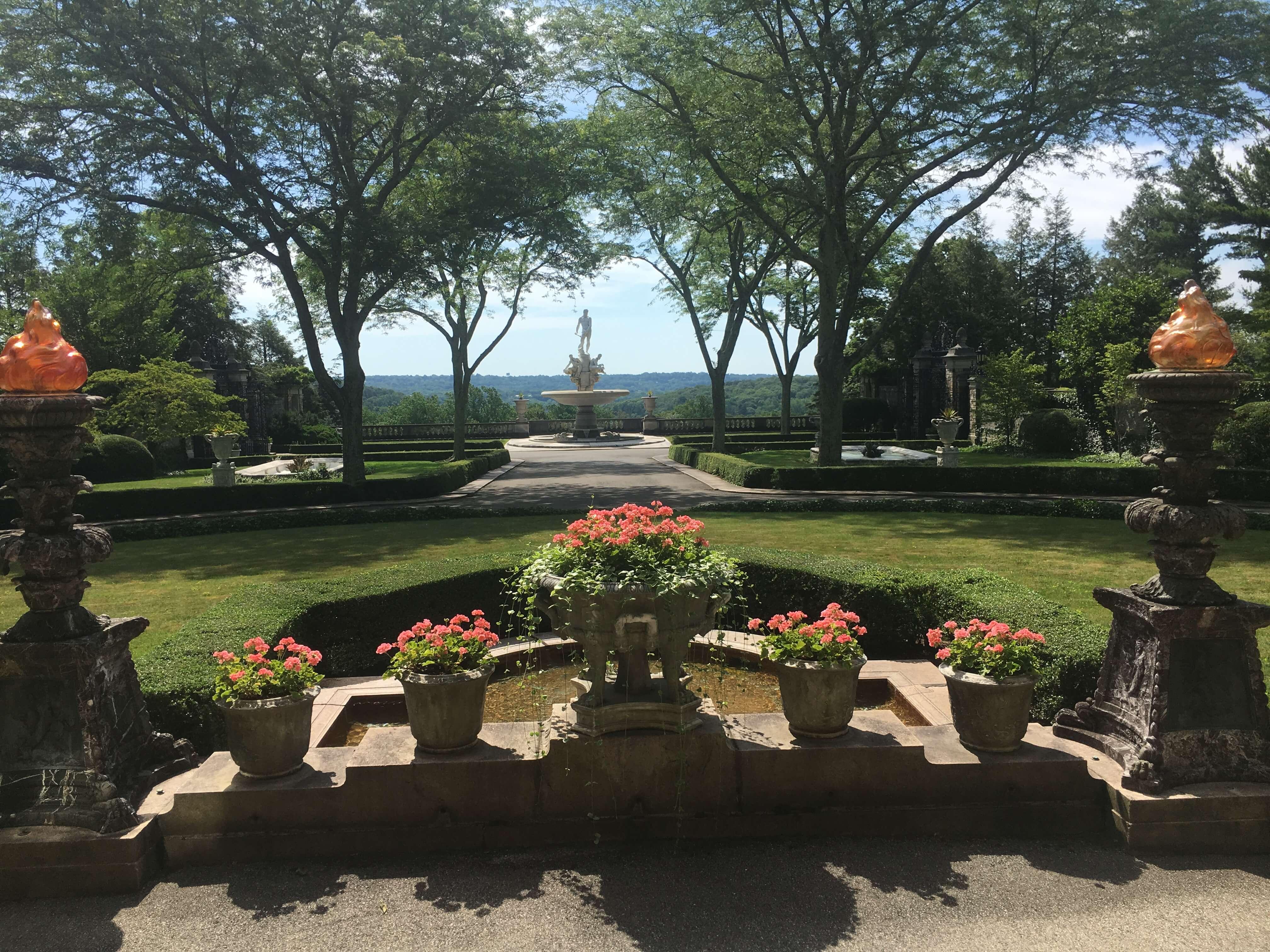 Kykuit rockerfeller house garden review