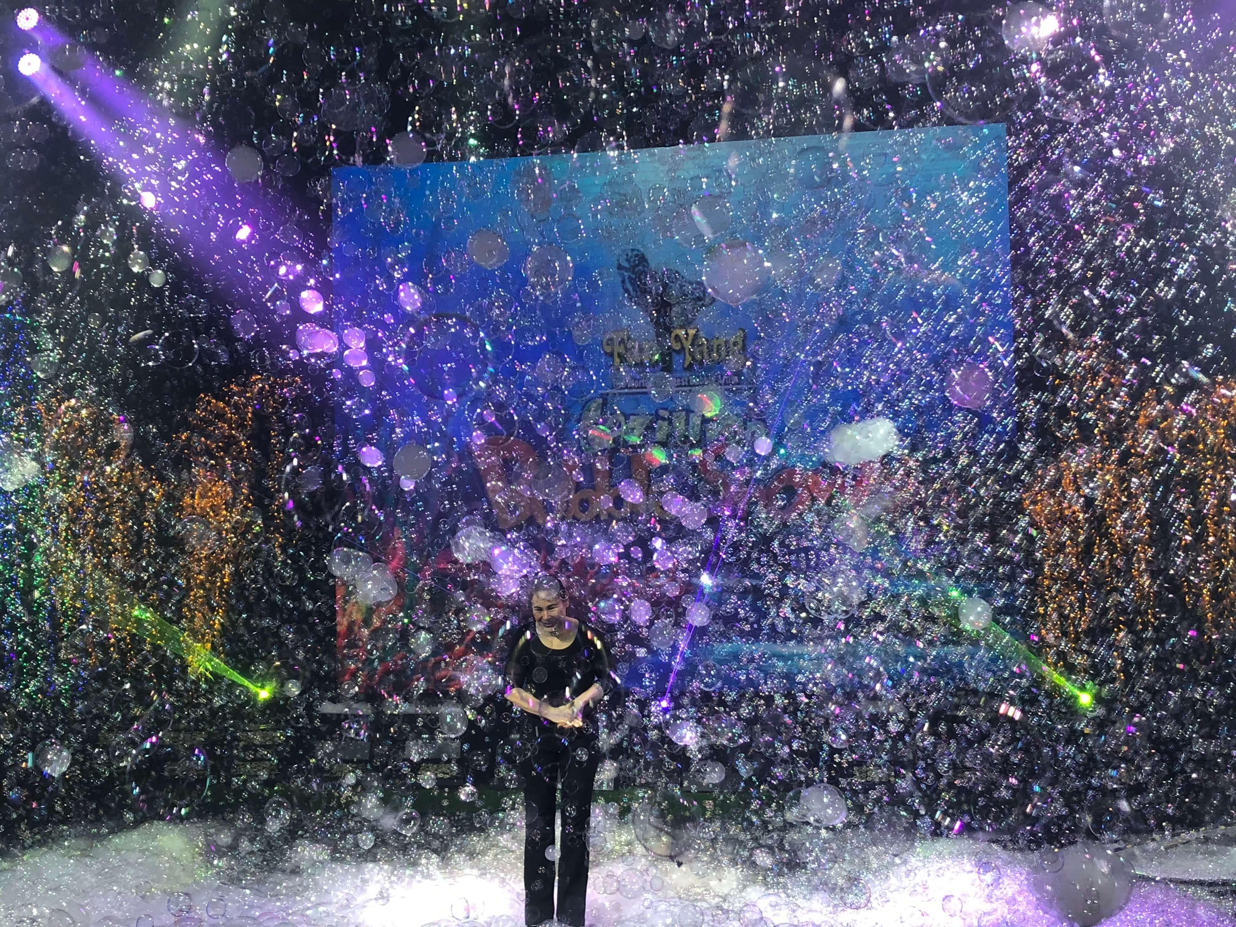 Gazillion Bubble Show finale