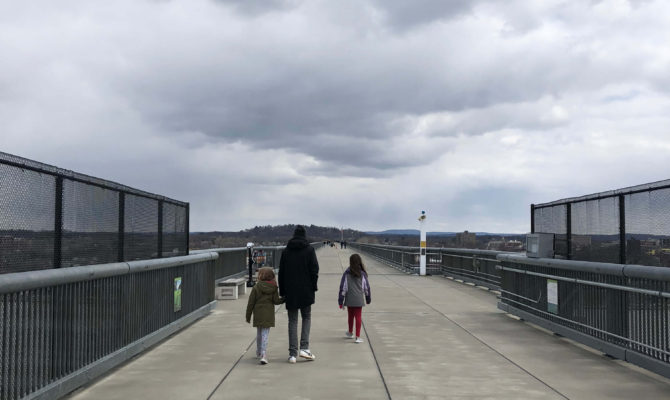 dutchess county with kids walkway over the hudson