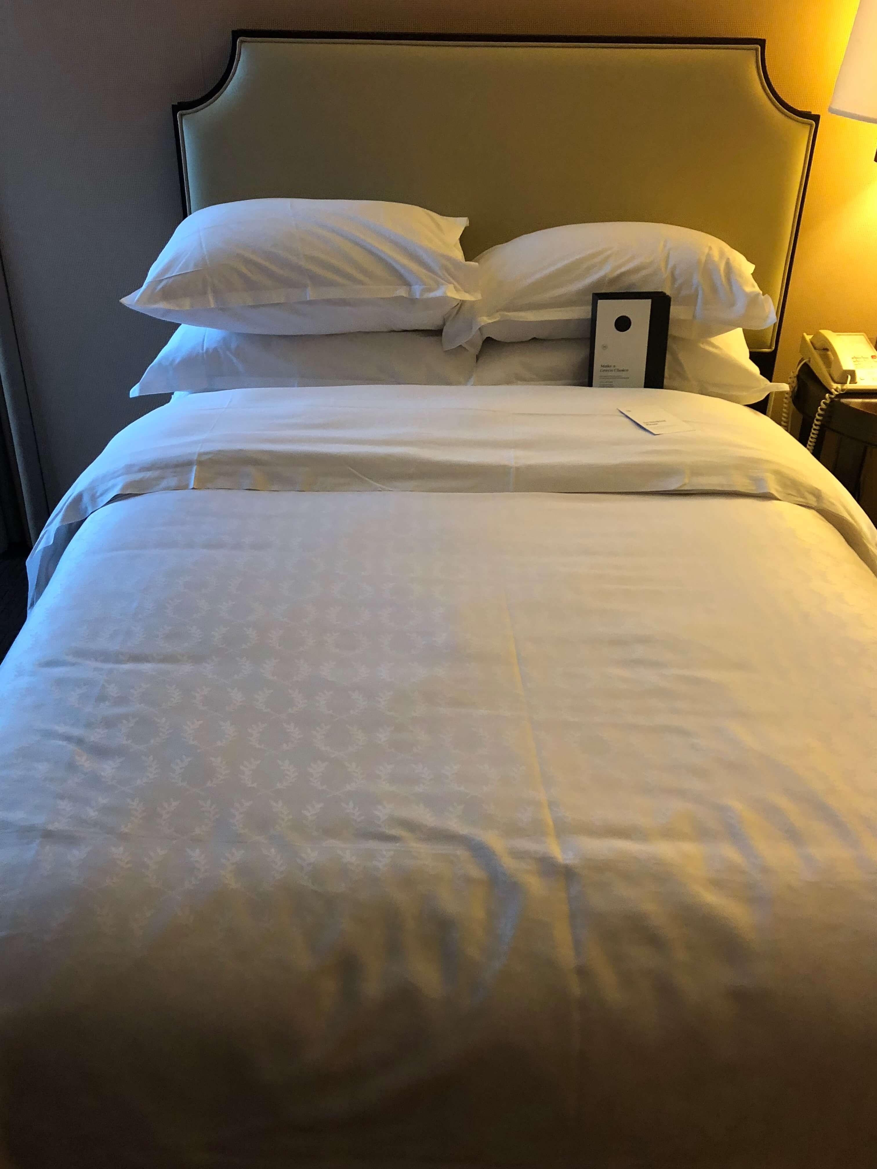 beds at lobby Sheraton Philadelphia Society Hill