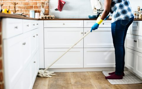 Easy Holiday Cleaning Tips to Get the Job Done