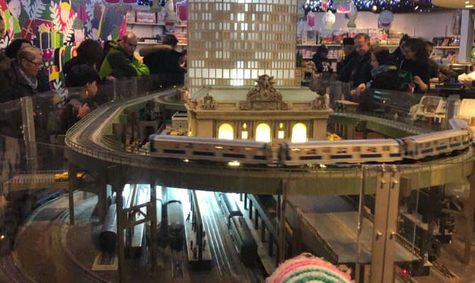 Free to Low-Cost Holiday Activities for Kids in NYC train show