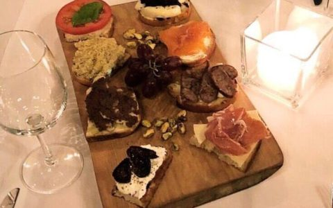 Delicious Options from Serafina Tribeca's Winter Menu brushetta