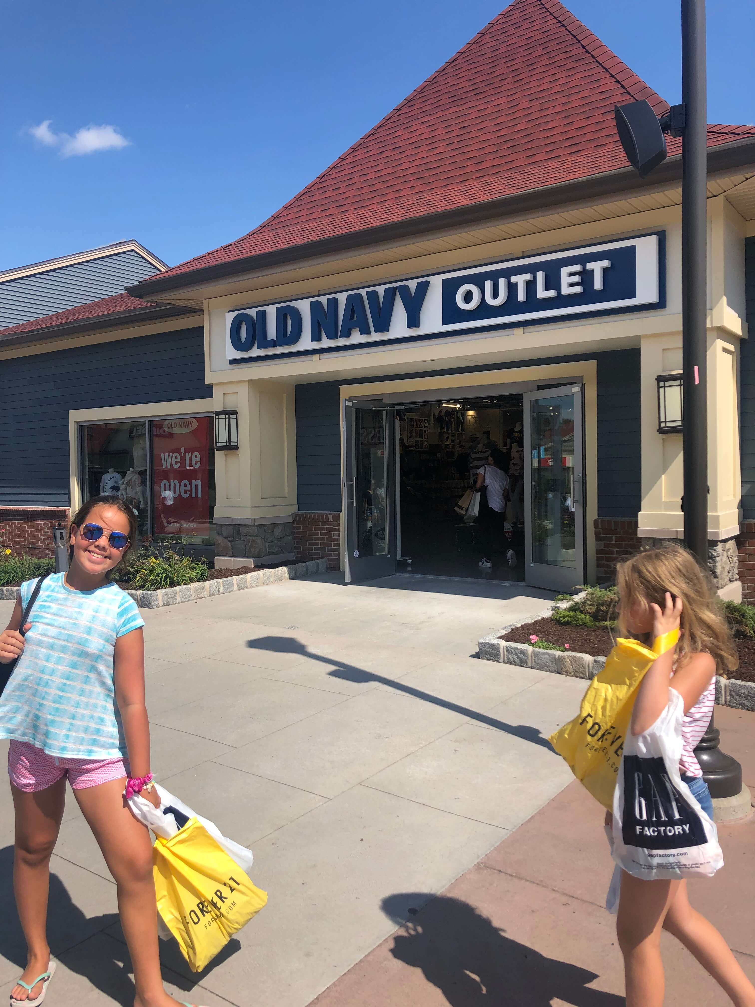 old navy outlets Woodbury commons