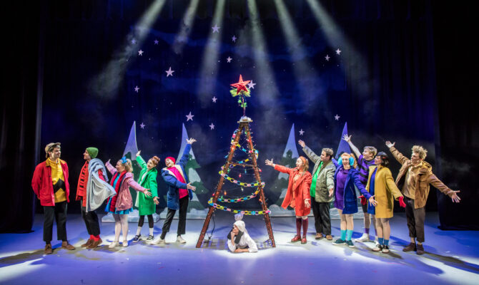 he Peanuts Gang Comes to Brooklyn for A Charlie Brown Christmas Live On Stage November 17th